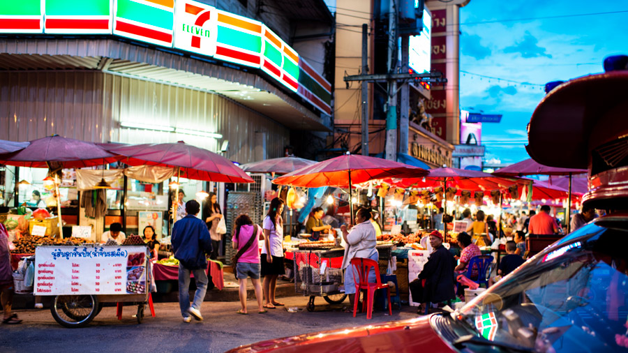 Chiang Mai Night Bazaar, book your thailand tickets online